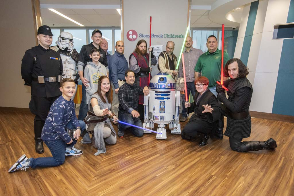 3VD Foundation Brings Star Wars to Hospital